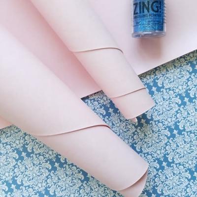 Переплетный кожзам светло-розового цвета без тиснения 35х50 см