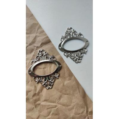 Винтажная рамка металлическая овальная  (серебро)