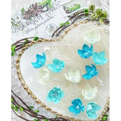 Бумажные цветы Малютки голубые и белые