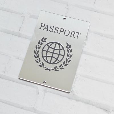 Табличка Passport с земным шаром и венком, 5х7 см, серебро