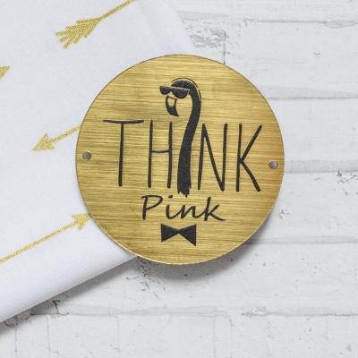 Табличка Think pink, 6 см, золото