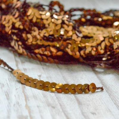 Нить с пайетками, отрез 0,5м, коричневая