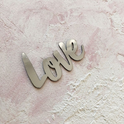 Слово Love из пластика с серебряным зеркальным покрытием, 6,5х4 см
