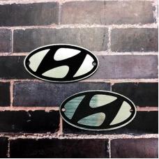 Табличка Hyundai 4х2 см, серебро