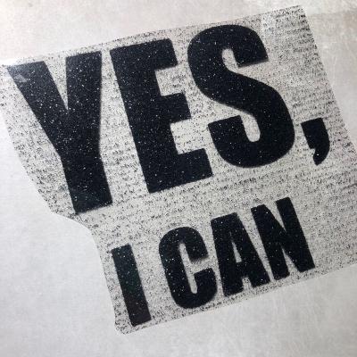 Надпись из черного термотрансфера с глиттером Yes I can, 12х11 см