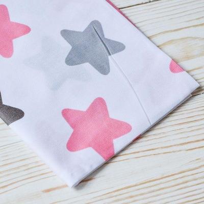 Ткань белая с серыми и розовыми звездами 50х40 см