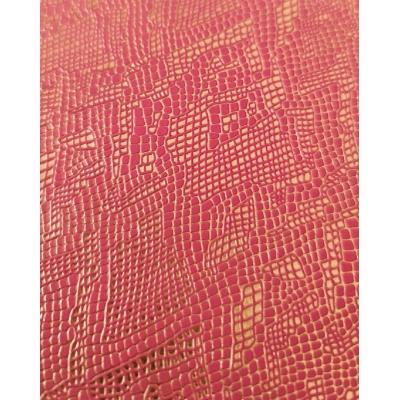Кожзам на тканевой основе малиновый  питон с золотом 33х70 см