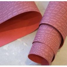 Переплетный кожзам темно-розовый под кожу крокодила 35х50 см