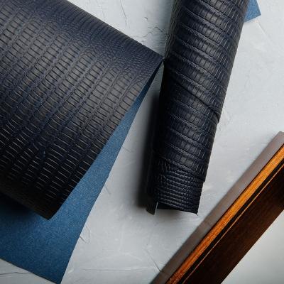 Переплетный кожзам темно-синего цвета с тиснением ящерица 35х50 см