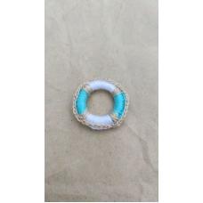 Спасательный круг с голубым